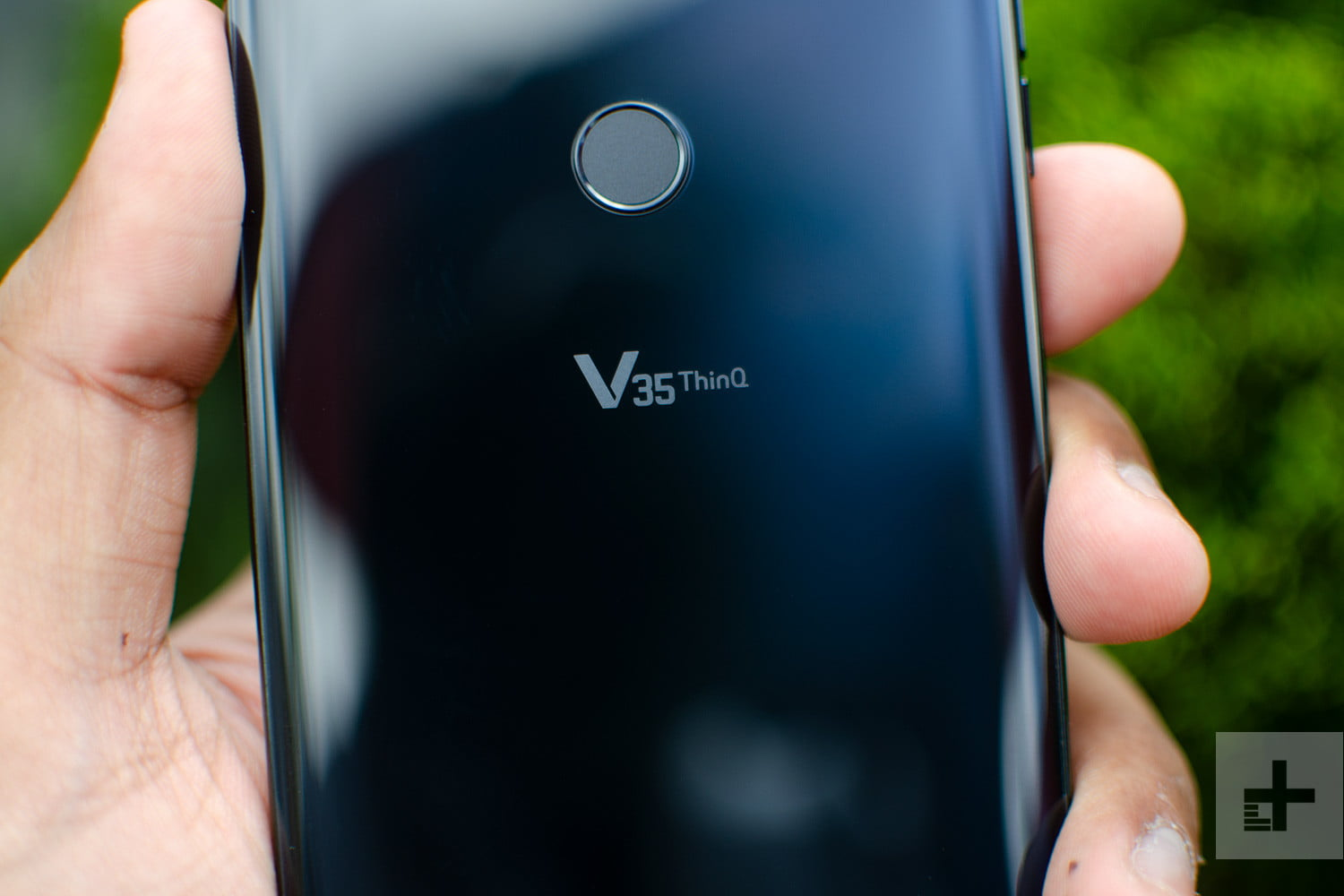 lg v35 thinq model logo