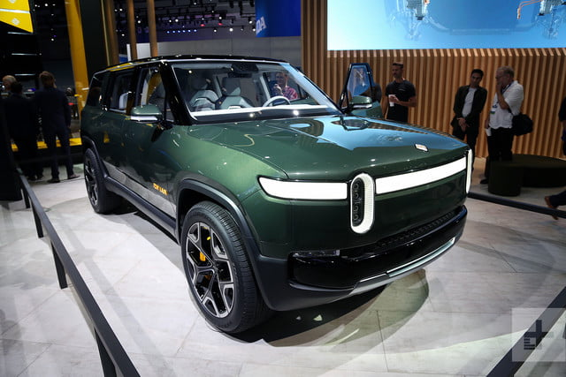 rivian r1s electric suv mb 2