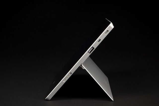 Microsoft Surface 2 left side