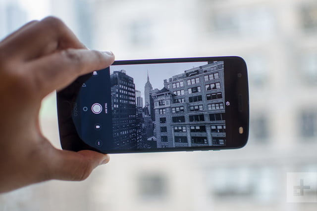 Moto Z2 Force hands-on review camera app
