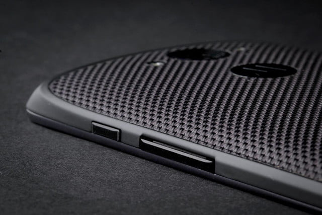 Motorola DROID Turbo side buttons