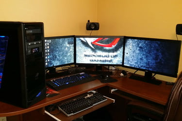 How do i hook up two computer monitors