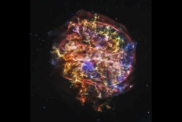 nasa releases never before seen supernova photos from chandra observatory g292