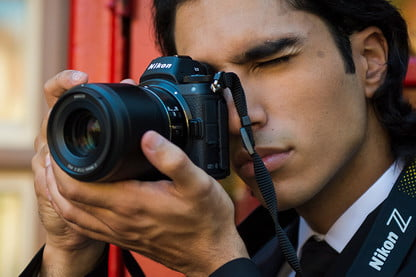 What Is a Mirrorless Camera, and What Makes It Different