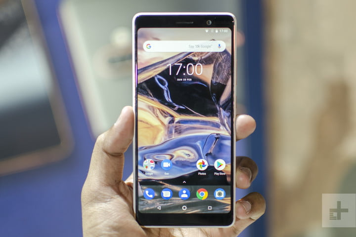 Nokia 7 Plus Hands-On | Front of the phone from straight on showing off the home screen