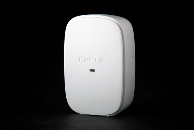 Nyrius Smart Outlet full