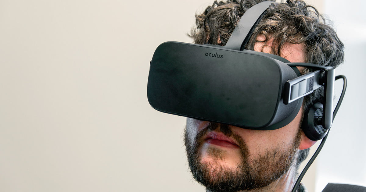 01abe6d9dae Oculus VR Could Upgrade the Rift With a New Display in 2019 ...