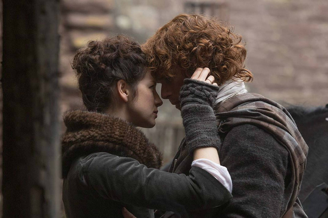 Starz renews outlander with book 3 and book 4 order digital trends fandeluxe Images