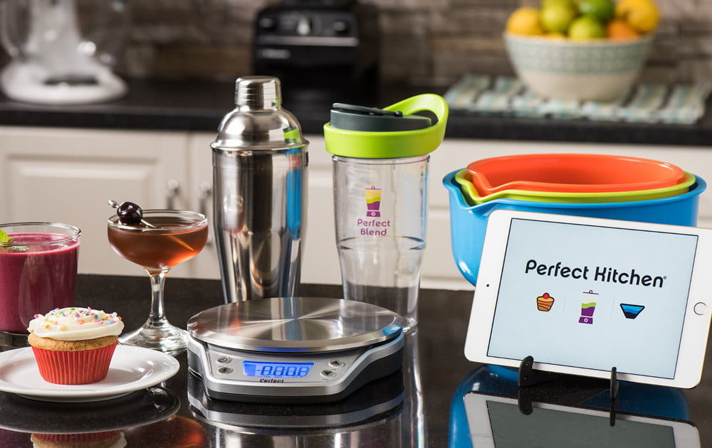 Sur la table debuts smart yet spendy kitchen scale for Sur la table food scale