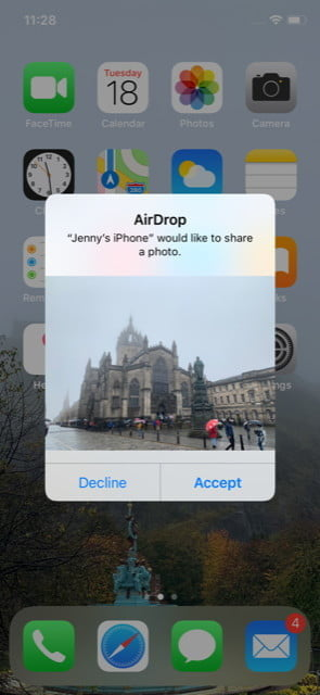 Share photo iPhone to iPhone with AirDrop