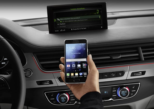 2016 Audi Q7 phone connectivity
