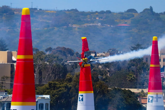 what its like to pull 5g in a red bull air race plane challenger class 2