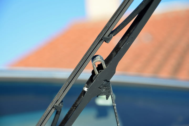 How to change windshield wipers