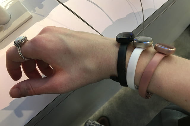 samsung fitness wearable jewelry concept prototype 003