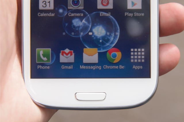 Samsung Galaxy S3 review bottom screen android 4.0 apps