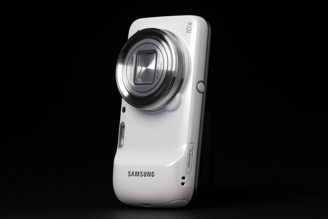 Samsung-Galaxy-S4-Zoom-upright-camera-side