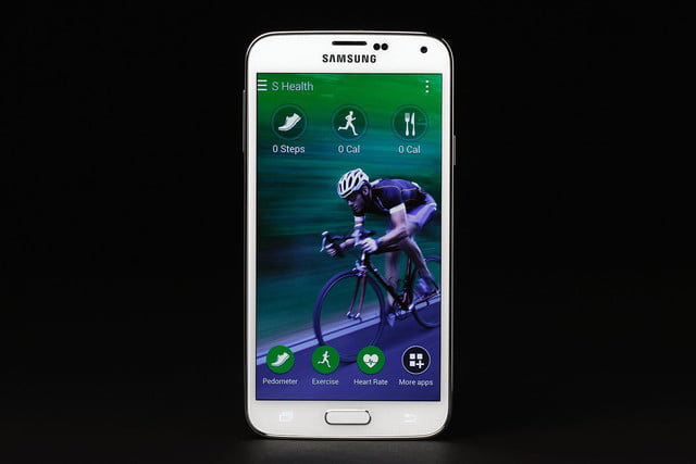 Samsung Galaxy S5 review android screen healthcare 2