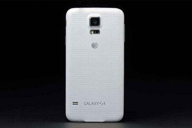 Samsung Galaxy S5 review rear 3