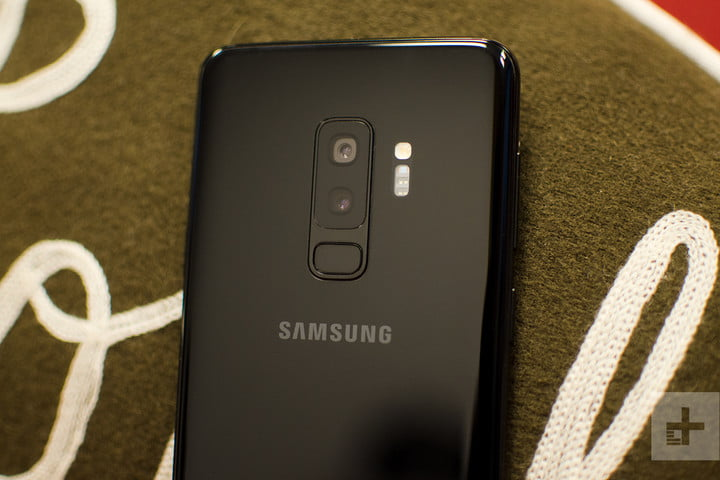 samsung galaxy s9 plus review back logo