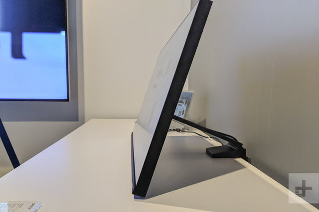 Samsung Space Monitor hands-on