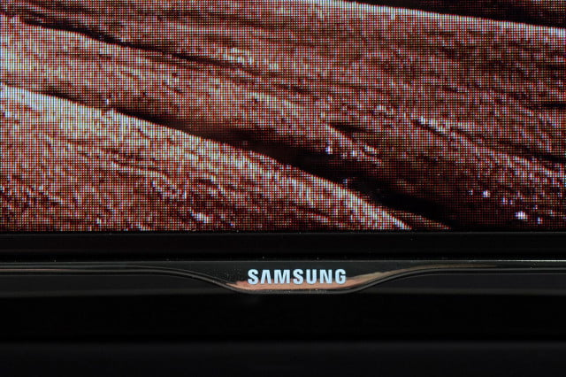 samsung unf8000 un55f8000 front bottom screen 640x426 c