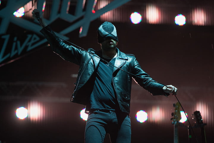 The Bloody Beetroots Sir Bob Cornelius Rifo mic stretch