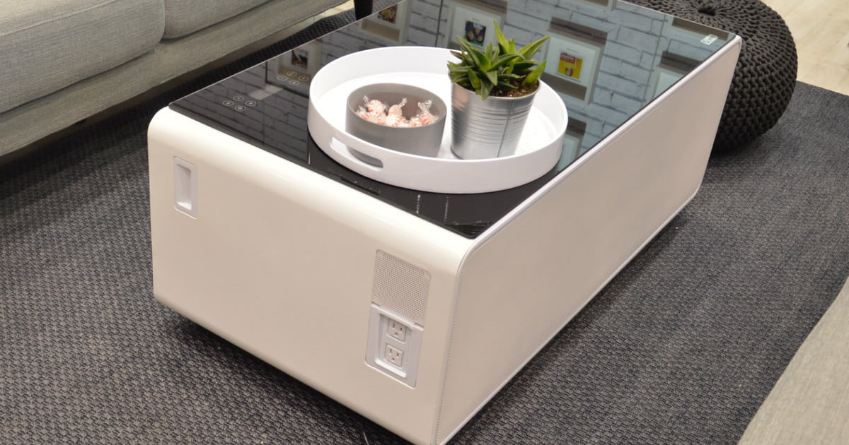 Store your beer and charge your phone with this high tech - Table basse comptoir de famille ...