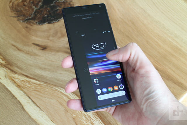Sony Xperia 10 one-handed