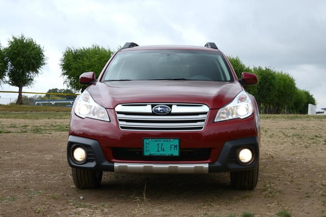 2013 subaru outback front