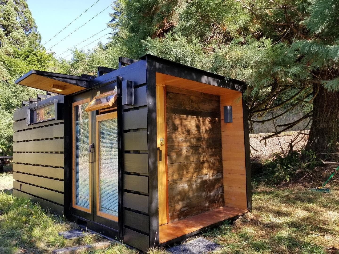 This Tiny House Has A Toilet That Incinerates Poop ...