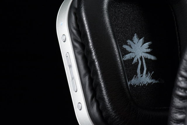 Turtle Beach i30 review headphones inside ear cups