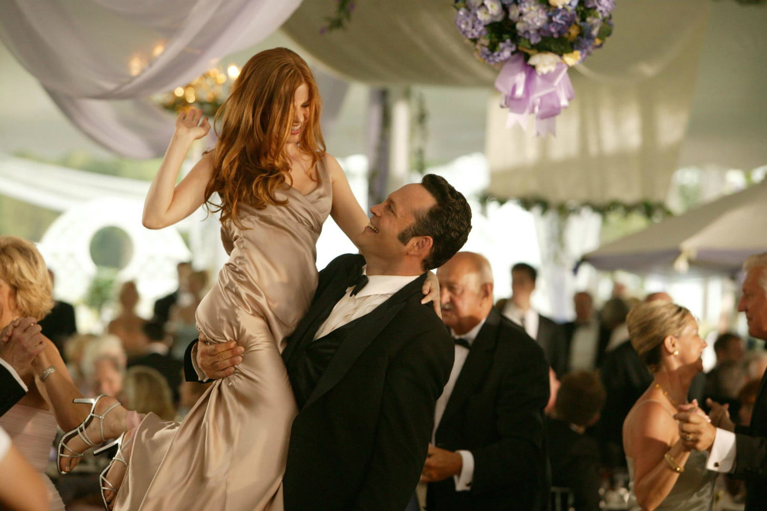 Isla Fisher Says There S Talk Of A Wedding Crashers Sequel Digital Trends