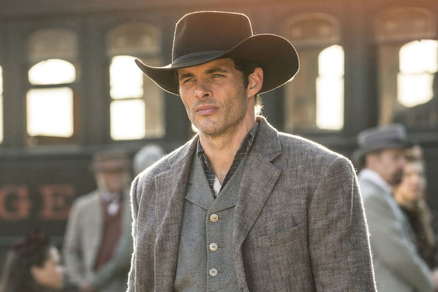 interview westworld star clifton collins jr on vr sci fi westerns 002