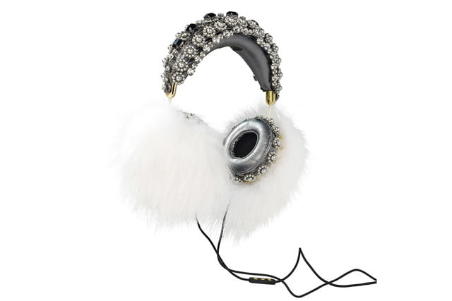 rihanna sells out 9000 dollar dolce gabanna headphones white marble fox hanging