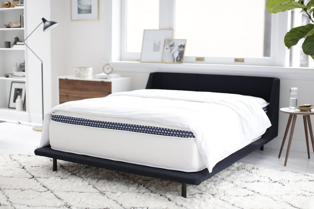 coolcontrol mattress temperature winkbed lifestyle shot 2